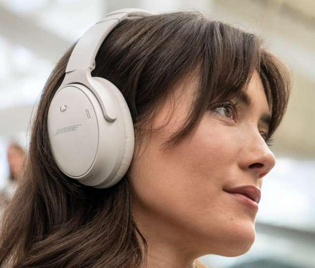 BOSE 新旗舰降噪耳机 QC45 发布:  外观无大变